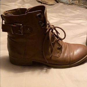 Guess light brown combat boots
